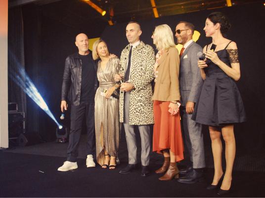 Le prix spécial du jury décerné par son président Christophe Pillet à Jacques Marie Mage