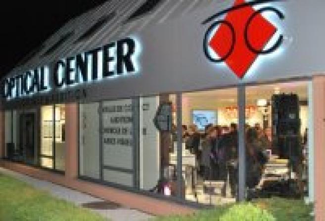 Optical Center inaugure à Vélizy sa 100ème succursale, un magasin  bourré  d high 0c938211aaf3