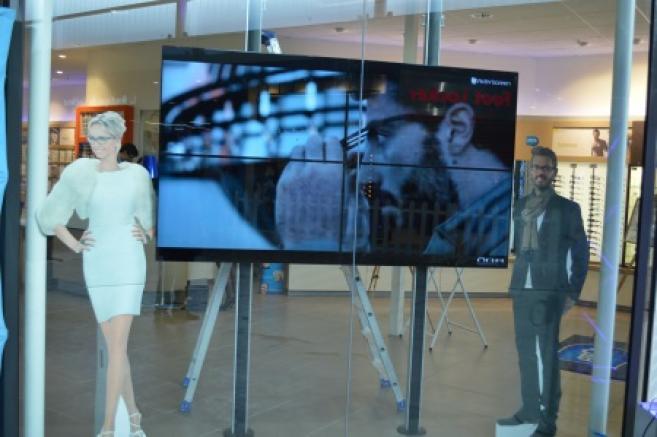 Deux jeunes opticiens inaugurent un nouveau concept magasin Atol au Havre 5fe43bb53575