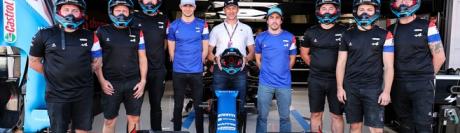 Le casque des pilotes de Formule 1 Esteban Ocon et Fernando Alonso (en bleu), porteront le logo de Shamir