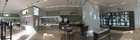 Alain Afflelou continue son développement en Suisse