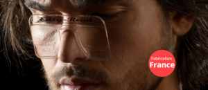 Un Aixois crée des lunettes de lecture au format « carte de crédit »