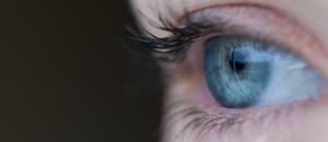 Il souffre de troubles de la vision à cause d'une surdose de Viagra