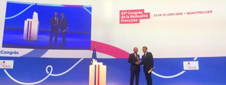 De gauche à droite : Thierry Beaudet,président de la Mutualité Françaisea accueilli Emmanuel Macron lors du Congrès de la Mutualité Française